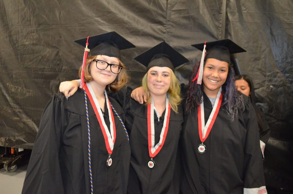 Simmons students turn their tassels | Plant City Observer